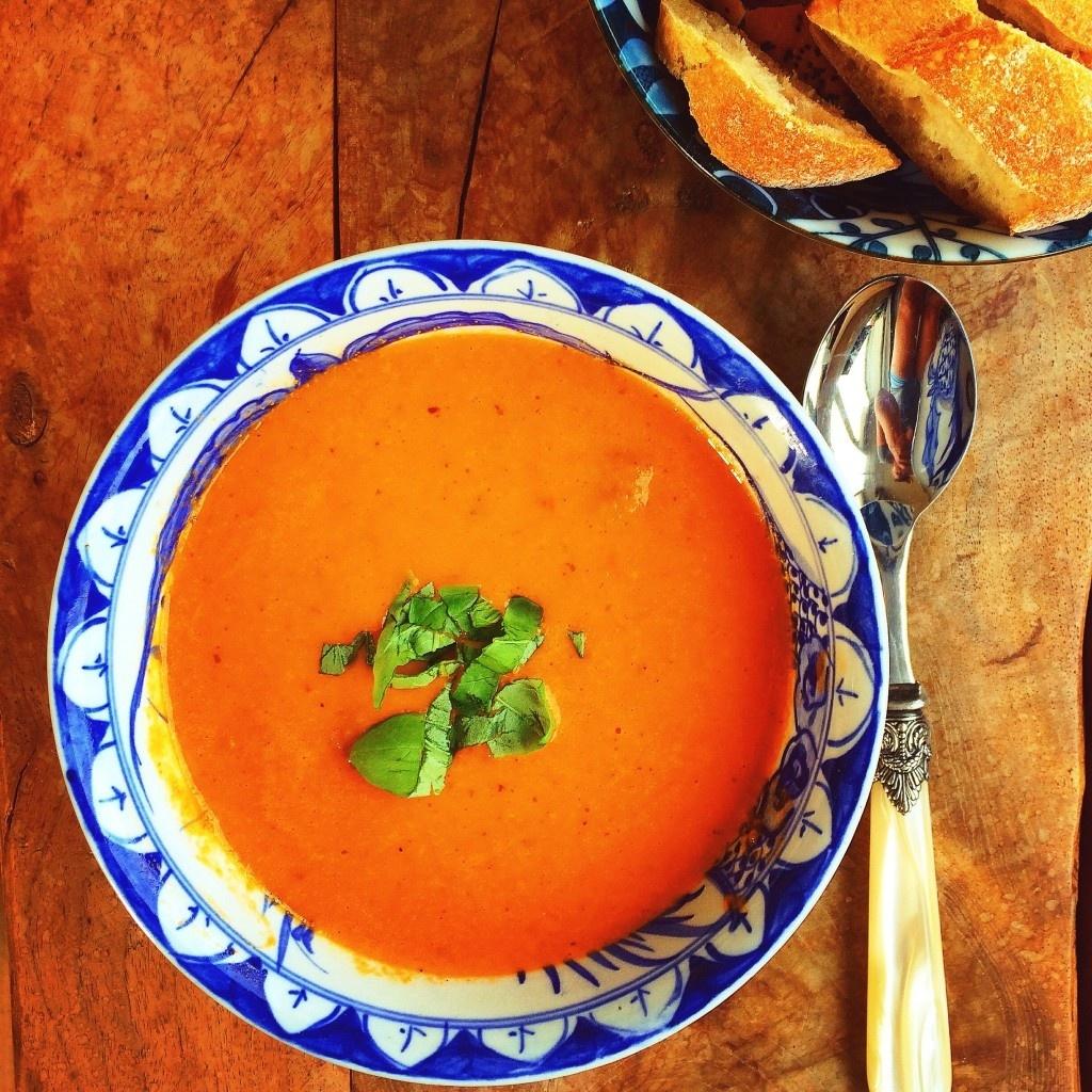 Tomatensoep met Pesto-Mozerralla Ciabatta