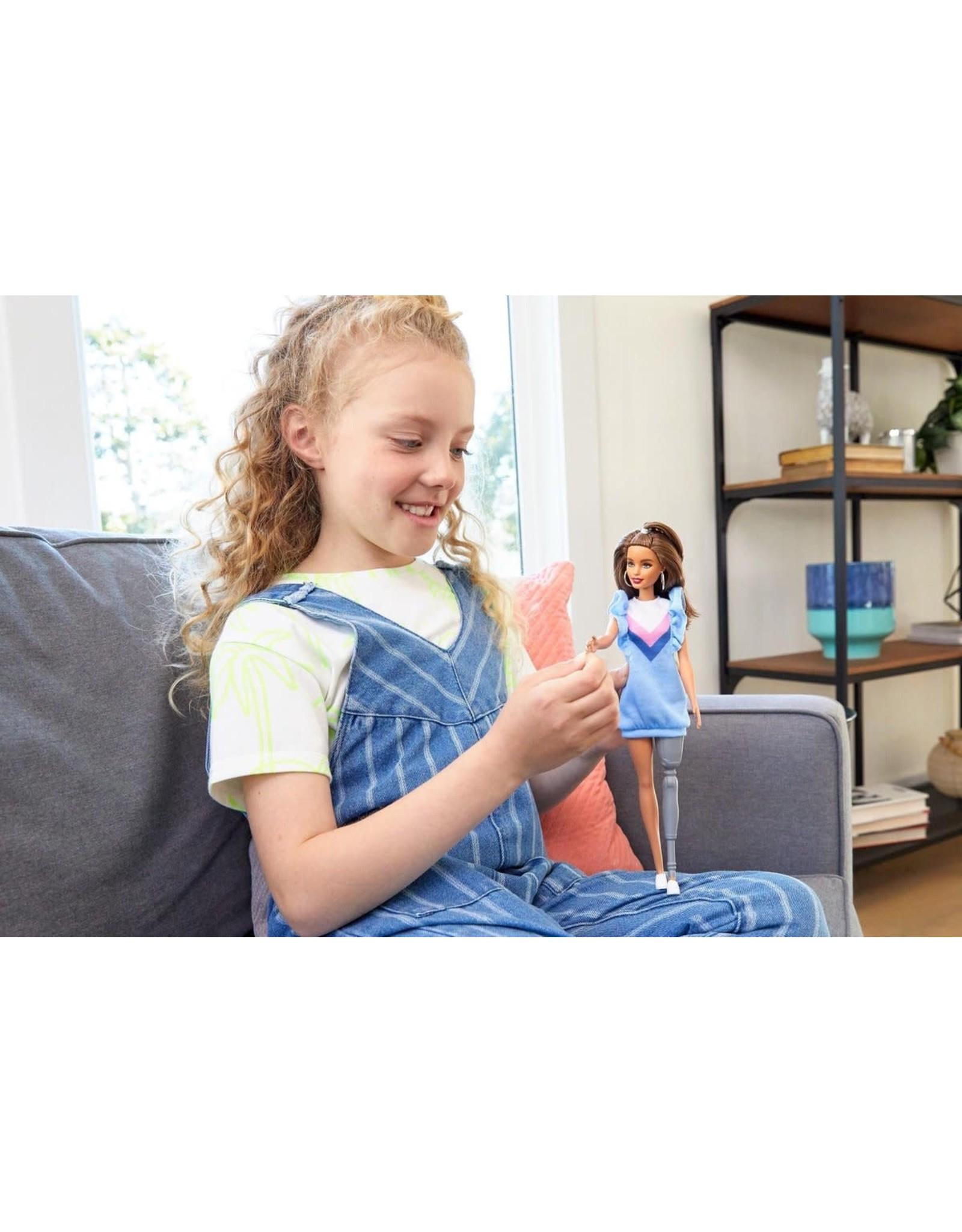 MATTEL Barbie Fashionistas Met Beenprothese 121