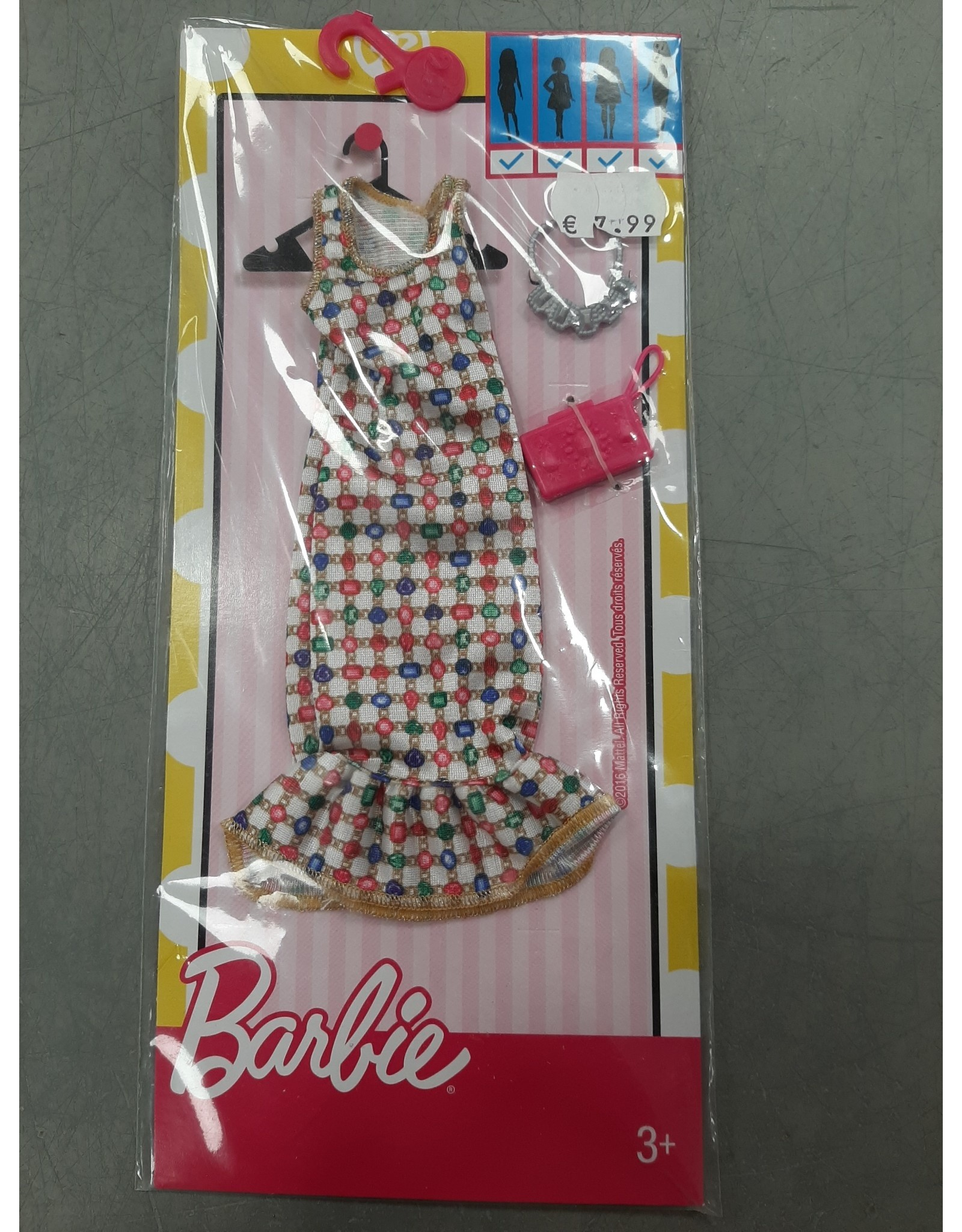 BARBIE COMPLETE LOOK FASHION