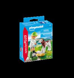 PLAYMOBIL PLAYMOBIL Playmo-Friends: Dierenarts met kalf (70252)