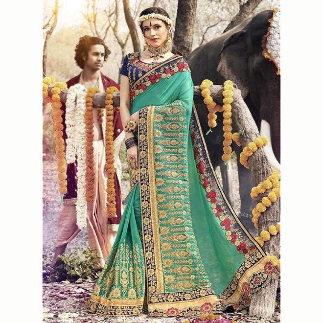 Exklusiver Sari bestickt in Grün und Gold