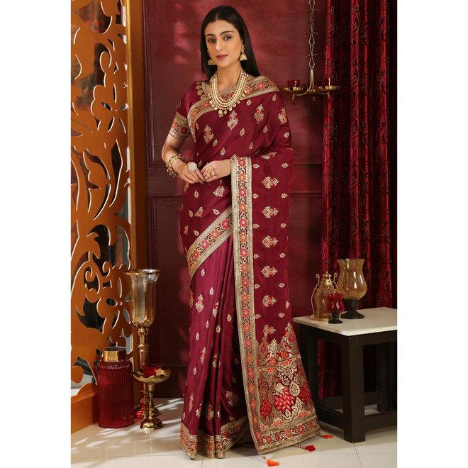 Sari  aus Seide in Weinrot bestickt