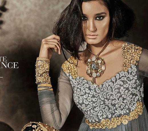 Ein schönes, indisches Outfit im aktuellen Modetrend!