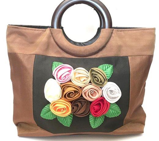 Exotische Taschen für sonnige Tage ....