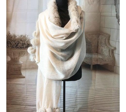 Ausverkauf unserer Pashminas & Schals. Wir räumen unser Lager!