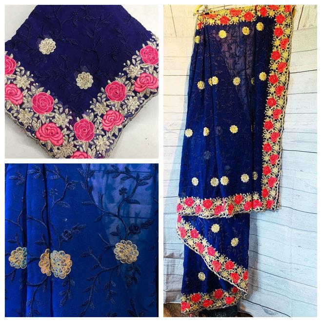 Bestickter Sari in Blau im Rosendesign