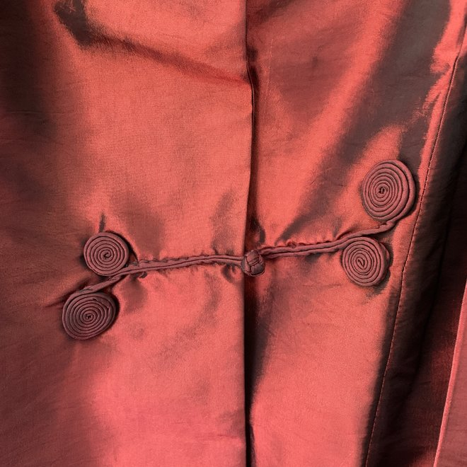 Kurzjacke aus rotem Taft