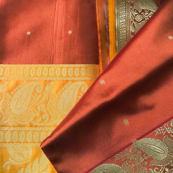 Sari Kalkutta in Kastanie, Gelb mit Gold