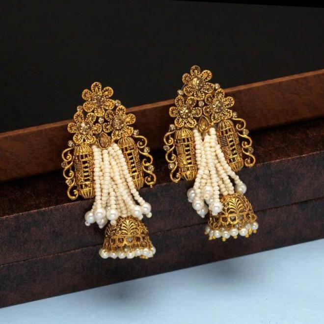 Indische Ohrringe mit Kristallen und Perlen