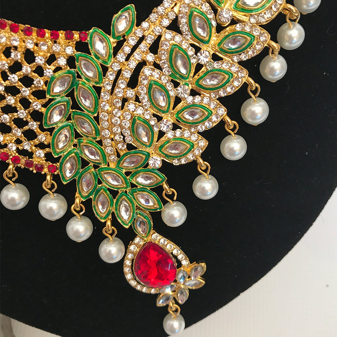 Indisches Schmuckset in Gold , Rot, Grün