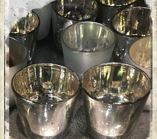 Ausverkauf unserer Teelichter & Dekorationen