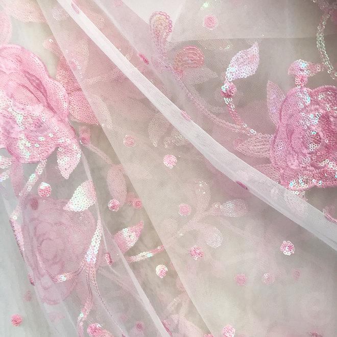 Sari  in Weiss, Rosé