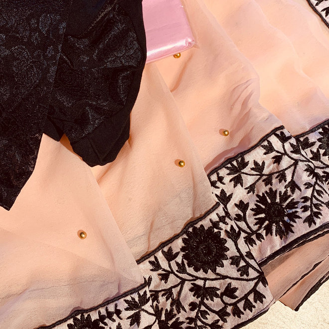Sari in Lachs/Rosé Komplettset