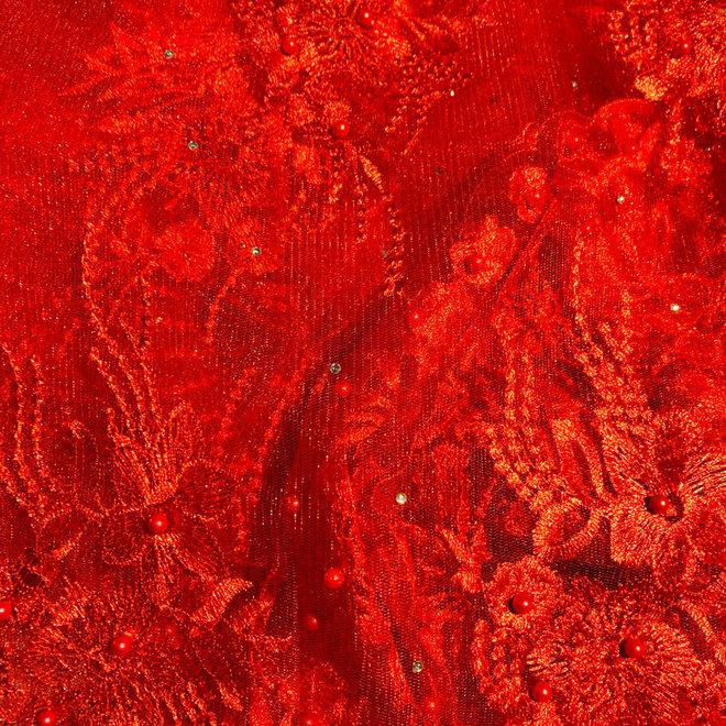 Spitze Rot mit Perlen