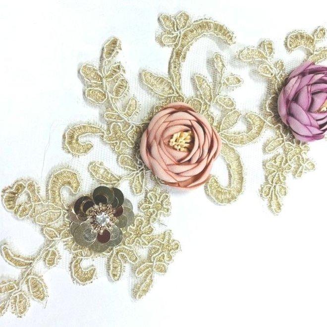 Spitzenapplikation in Beige mit Rosen