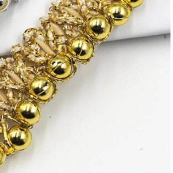 Borte mit Perlen in Gold