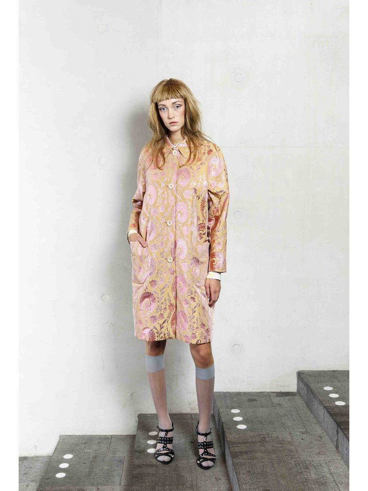 oversized pink coat in shiny jacuard