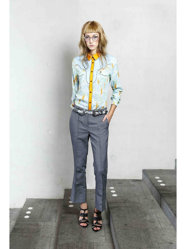 trousers with short flair pipe in pequet check