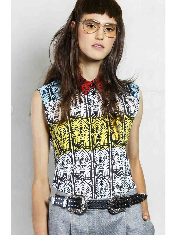 sleeveless blouse with print