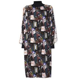 AW2021 564-Q Slit Sleeve Dress