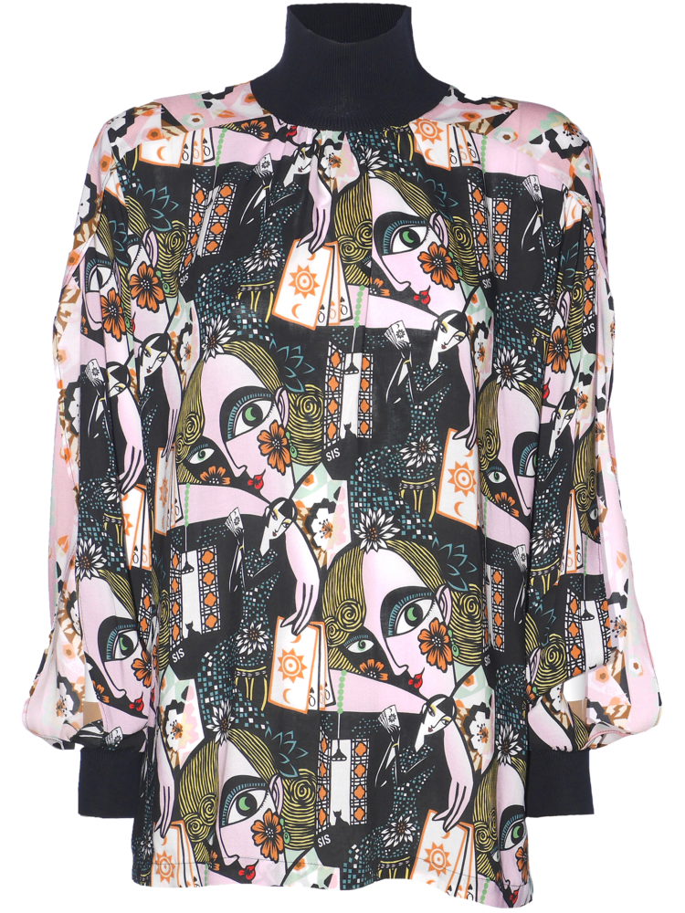 top with print and slit at the sleeves