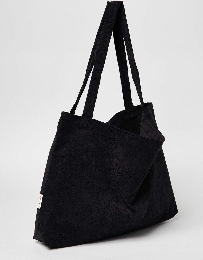 Studio Noos All black rib mom bag