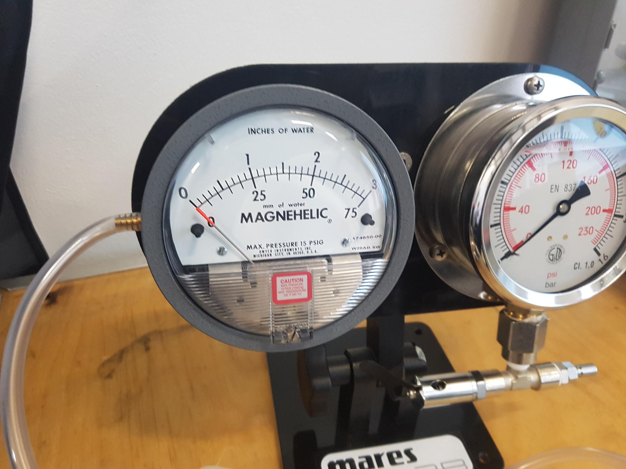 Ademautomaat testen met Magnehelic en middendruk meter