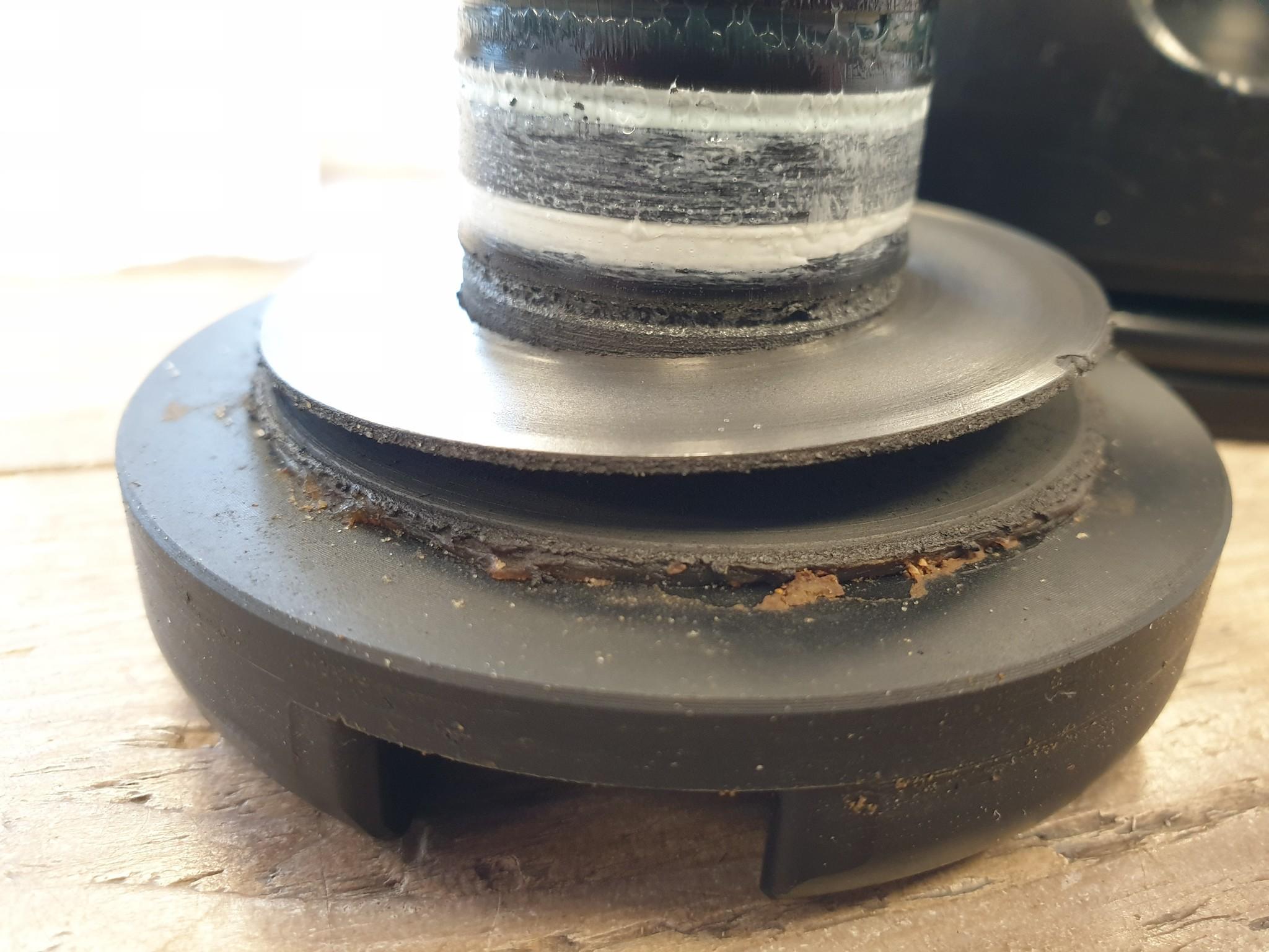 Vervuilde nose cone van een Suex Scooter