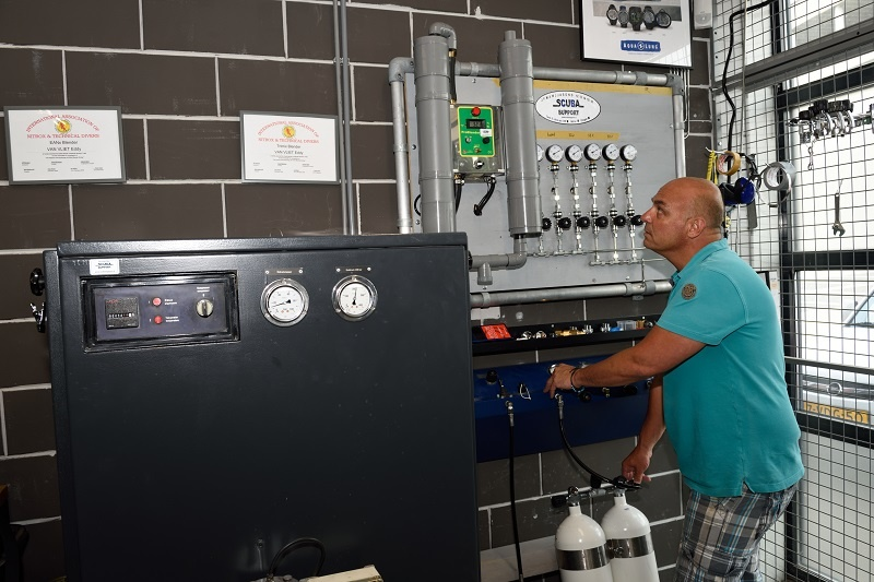 Filling station for Compressed air, Nitrox, Trimix, Oxygen and Helium