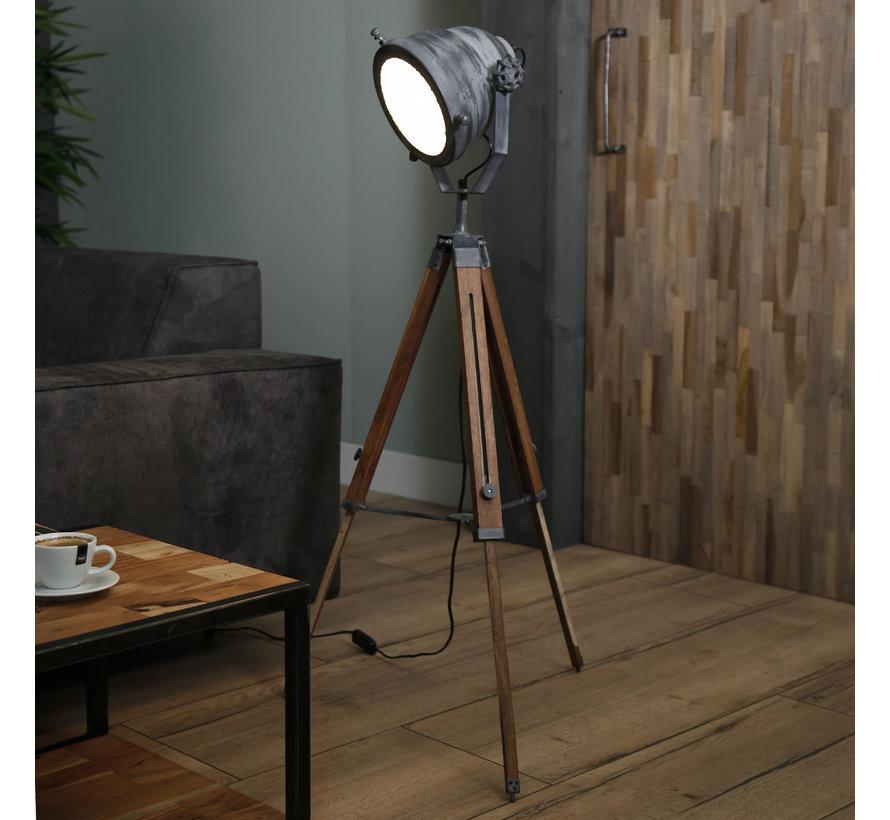 Stehlampe Laura Dreibein Betonlook