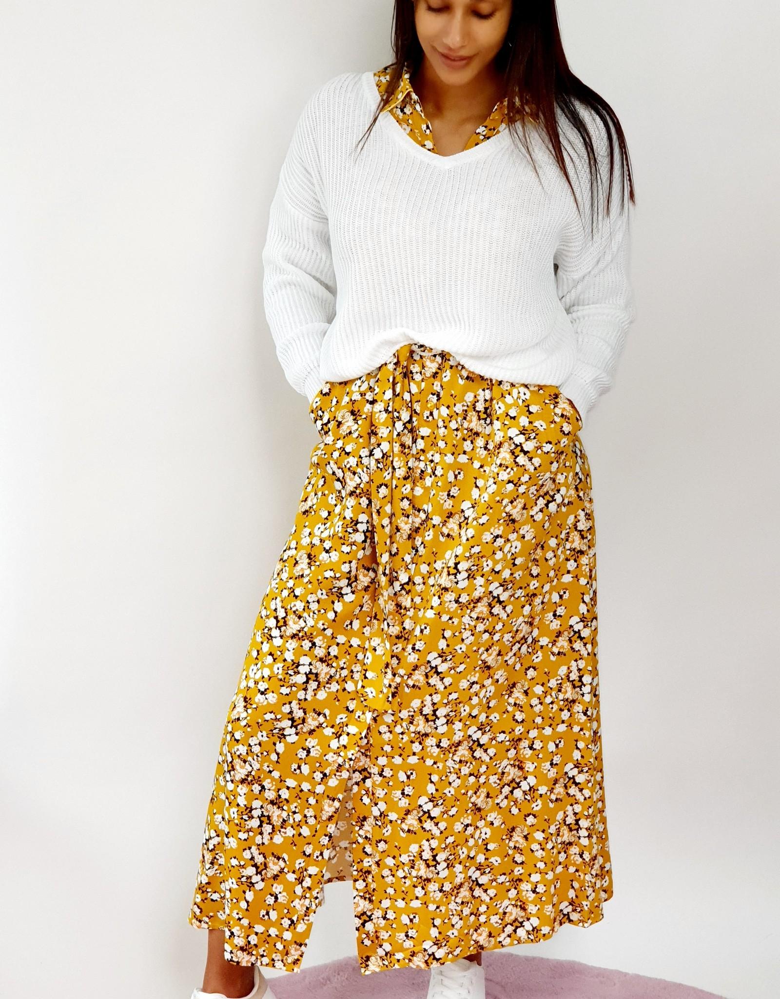 Thé yellow flower dress