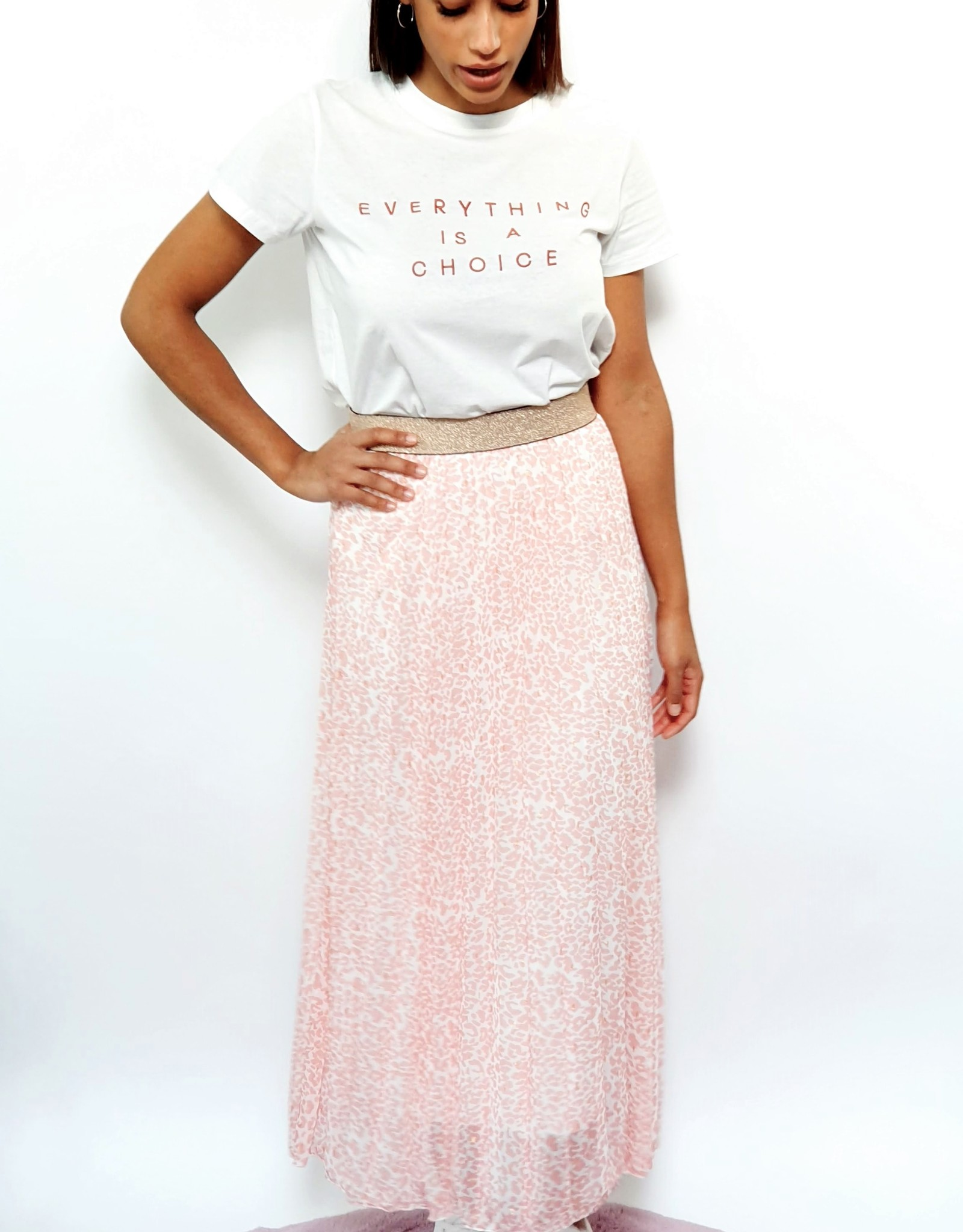 Thé pink and golden skirt