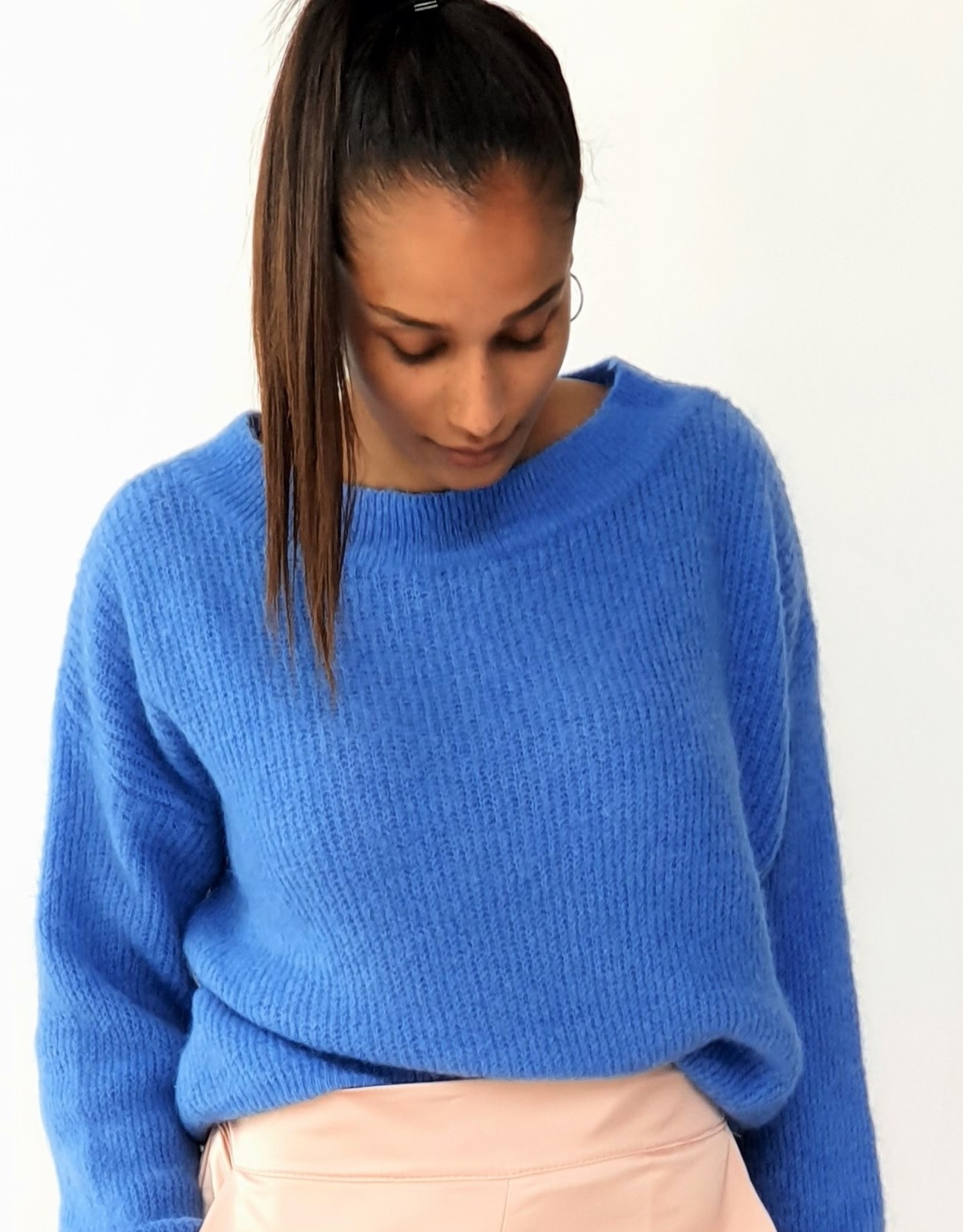 Blue feeling knitted sweateer