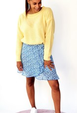 Yellow feeling knitted sweater