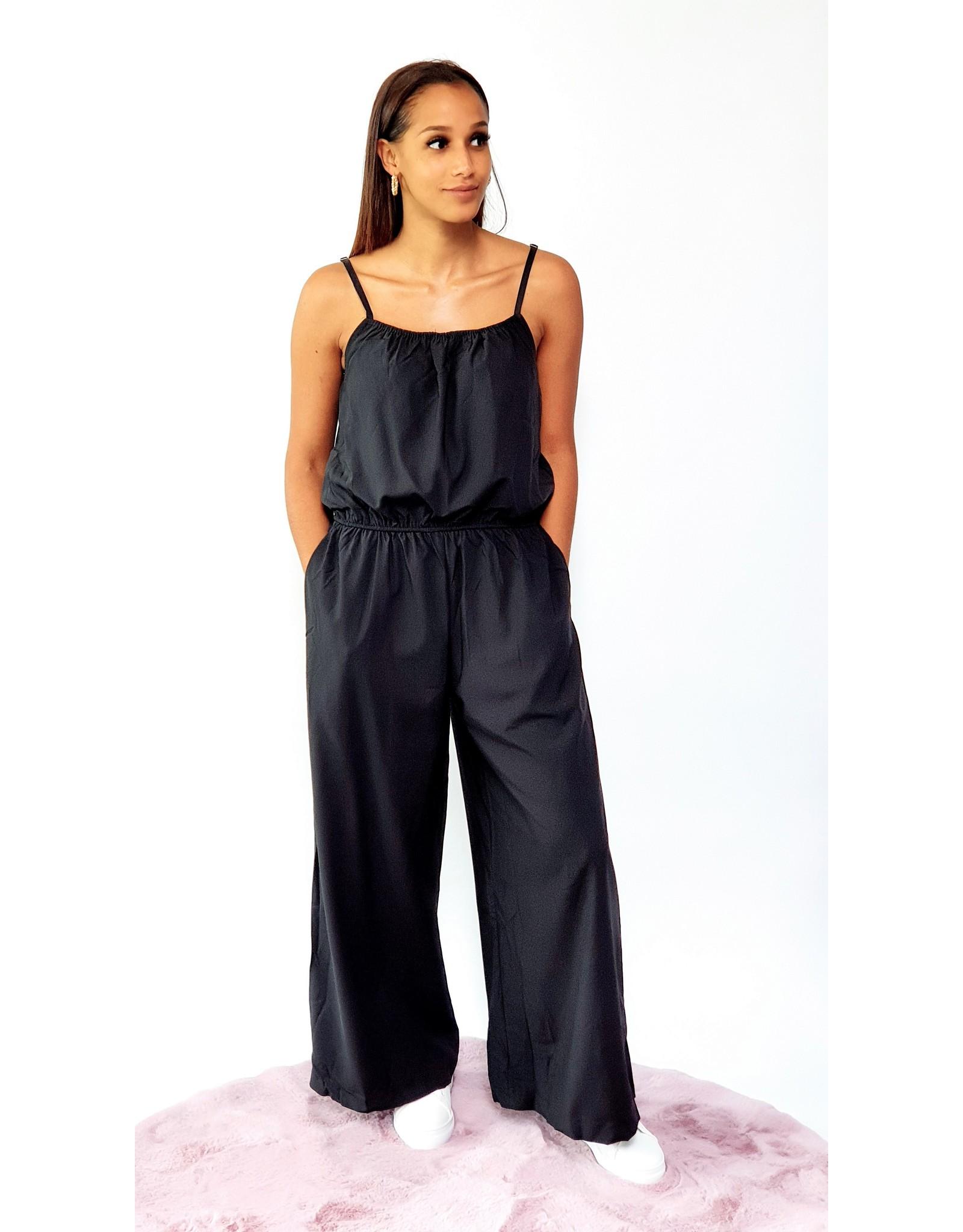 Thé little black jumpsuit