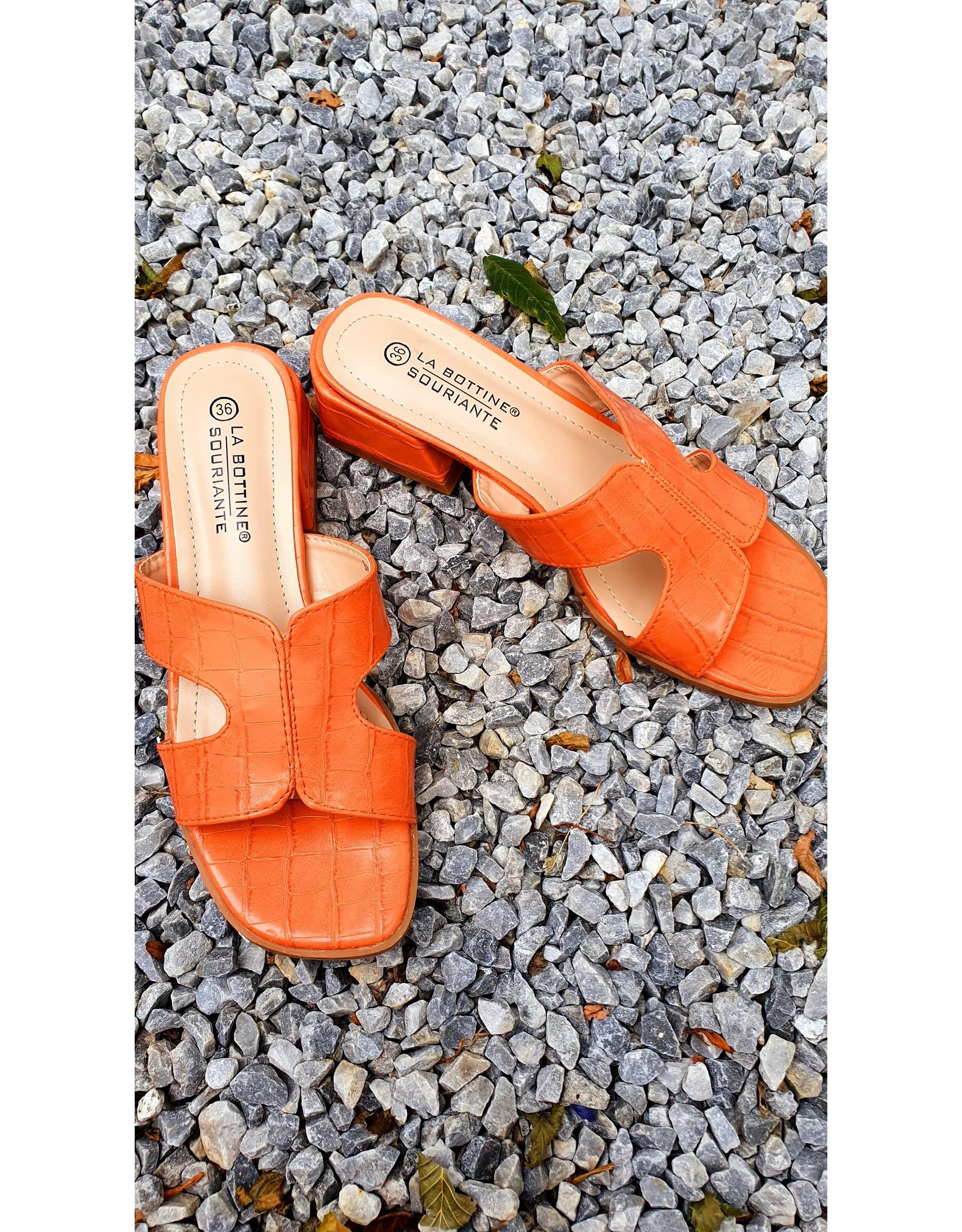 Peachy croco slipper