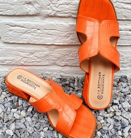Peachy croco slippers
