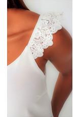 Thé laced shoulder top