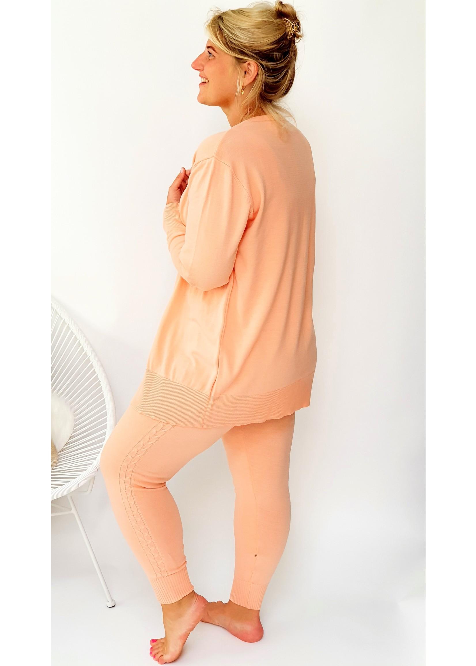 Comfy peachy pink set