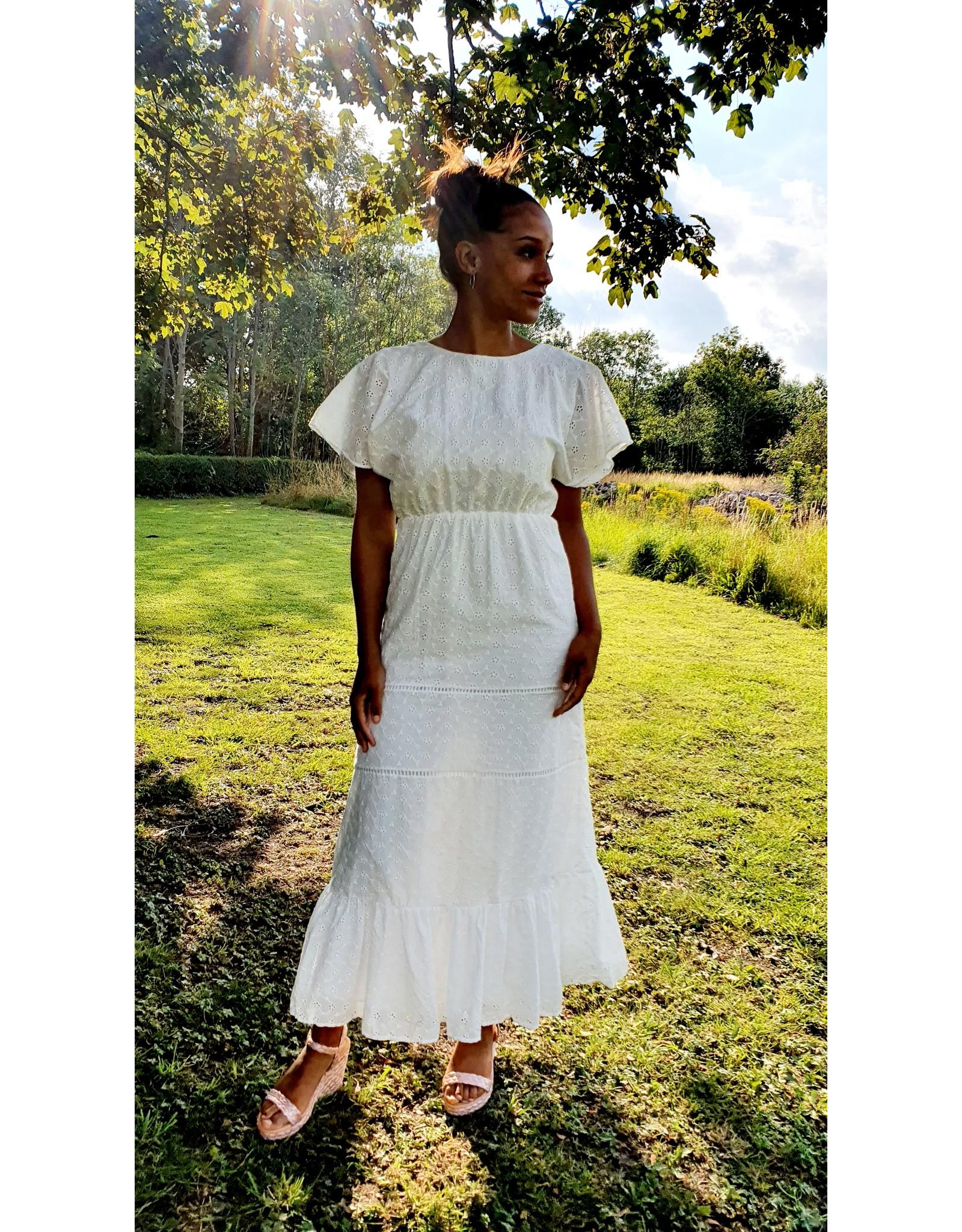 Thé feminine white dress