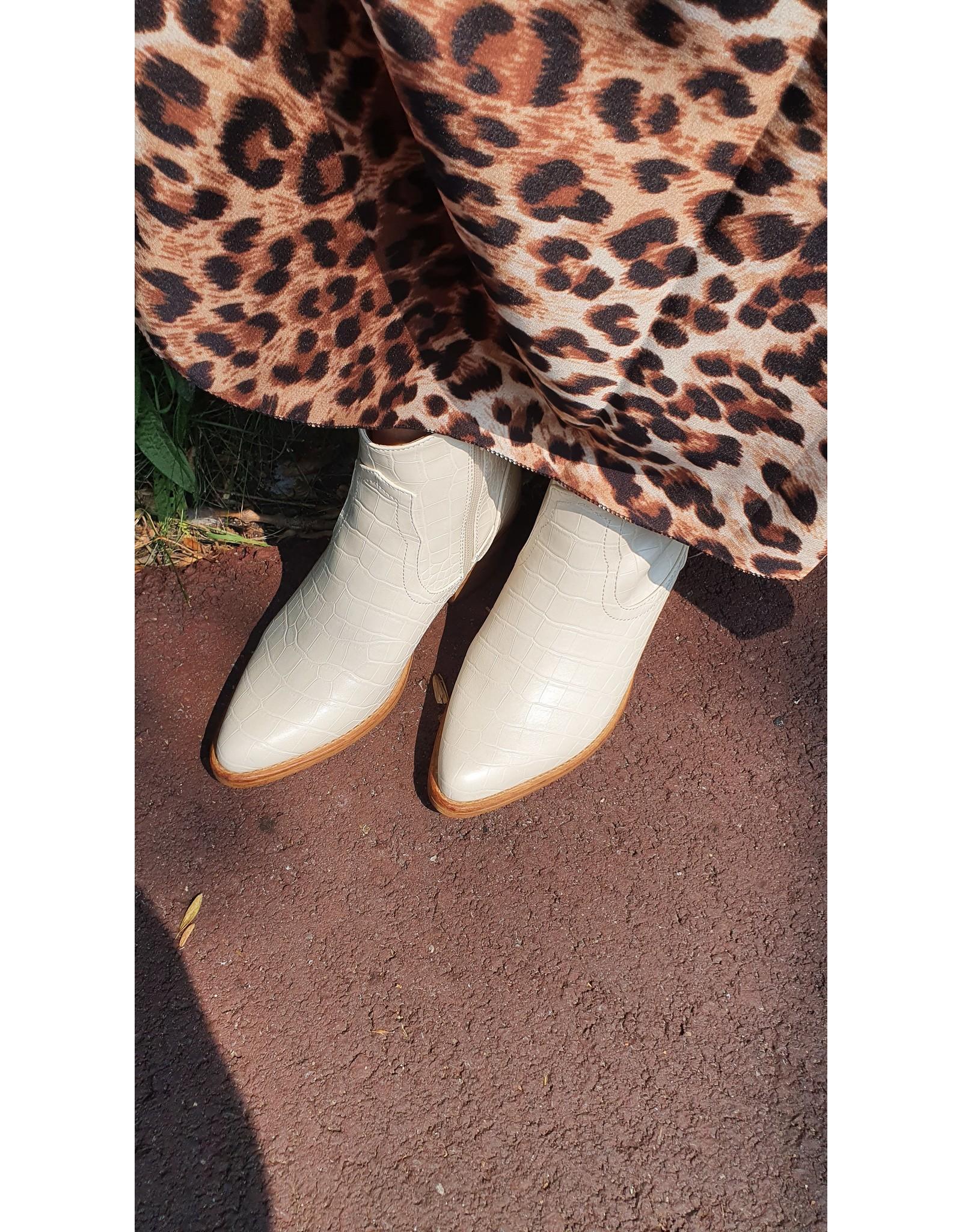 Croco boots beige