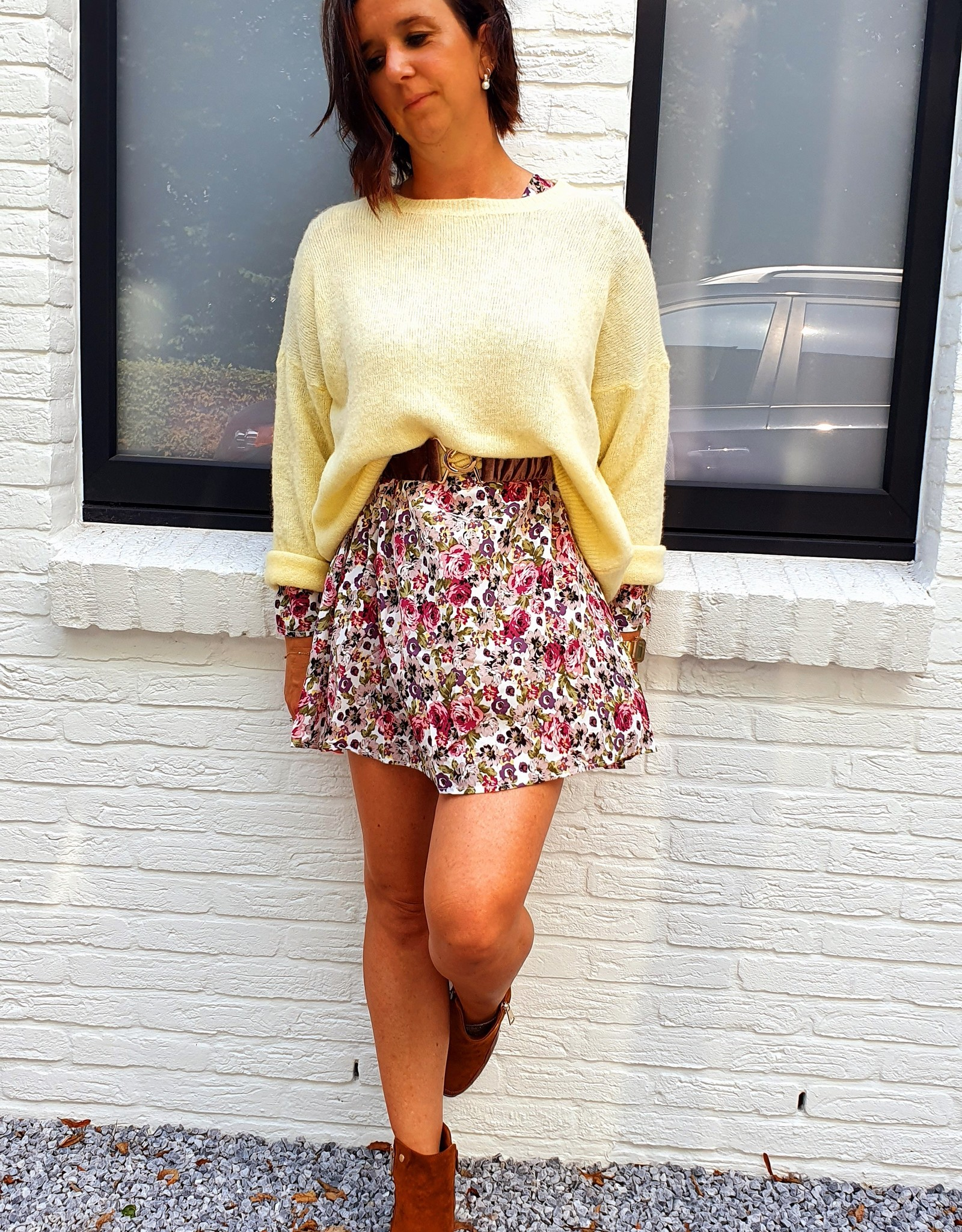 Short beige flowerdress