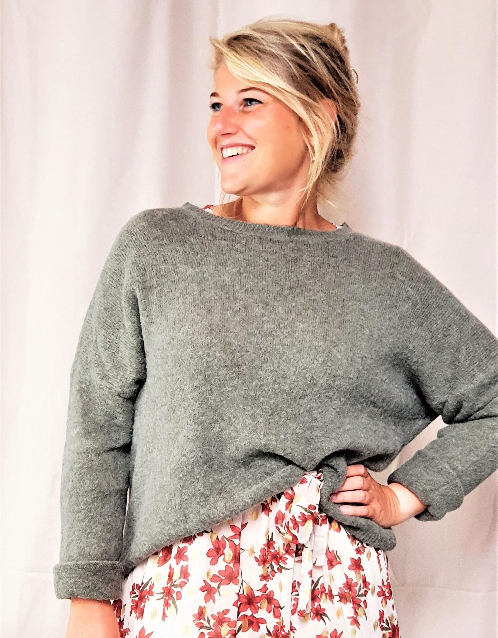 Mika Elles Kaki love sweater