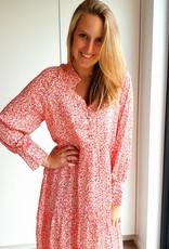 "Happy pink in ""autumn"" dress"