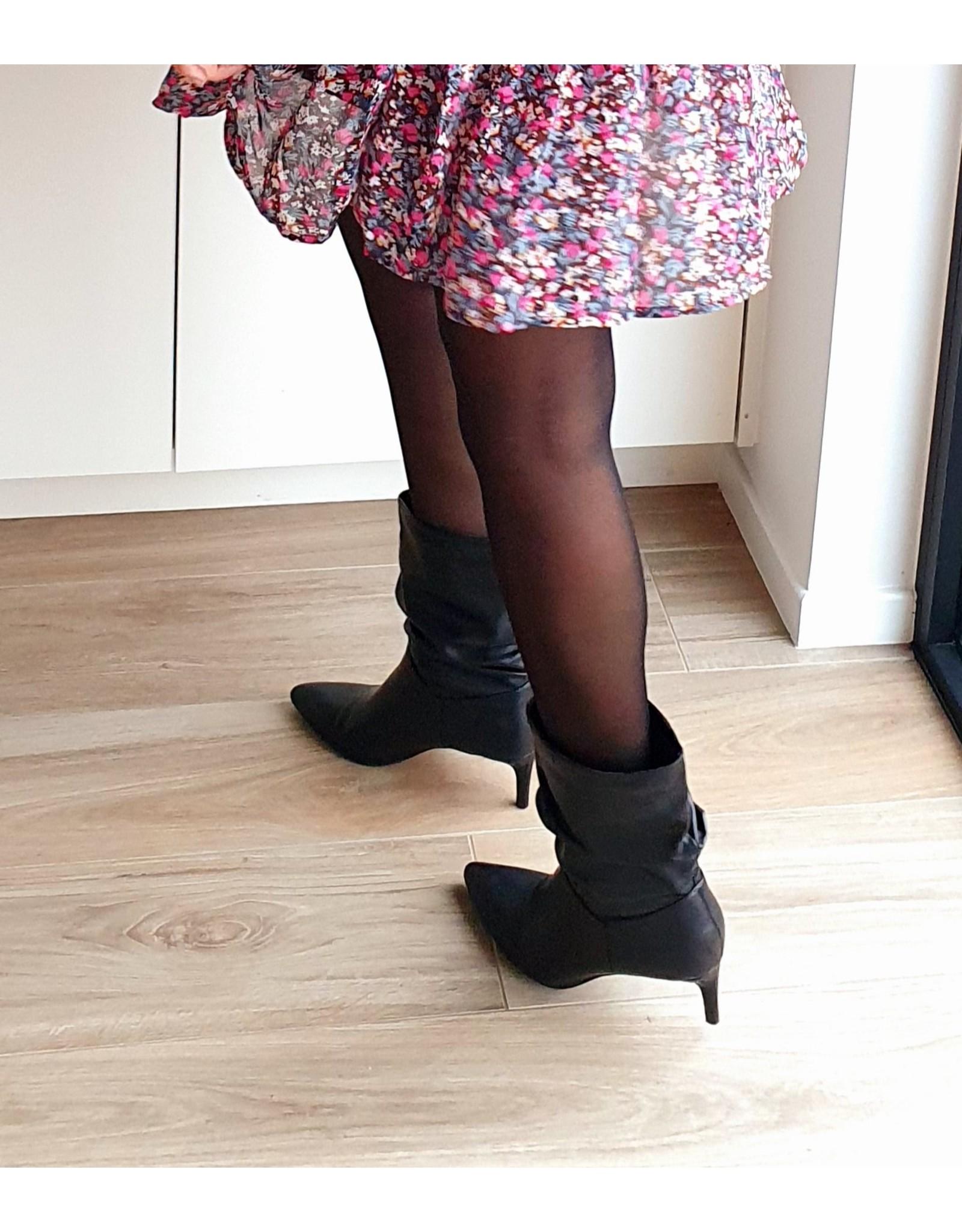 Black classy boots