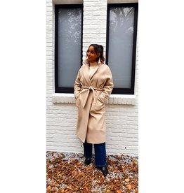 Thé classic beige coat