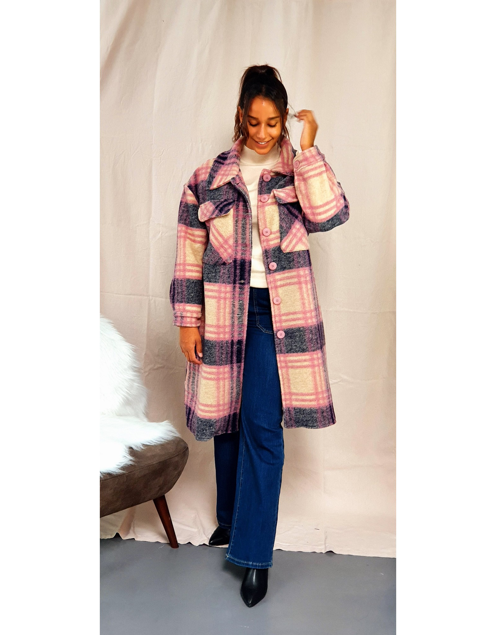 The long checkered jacket