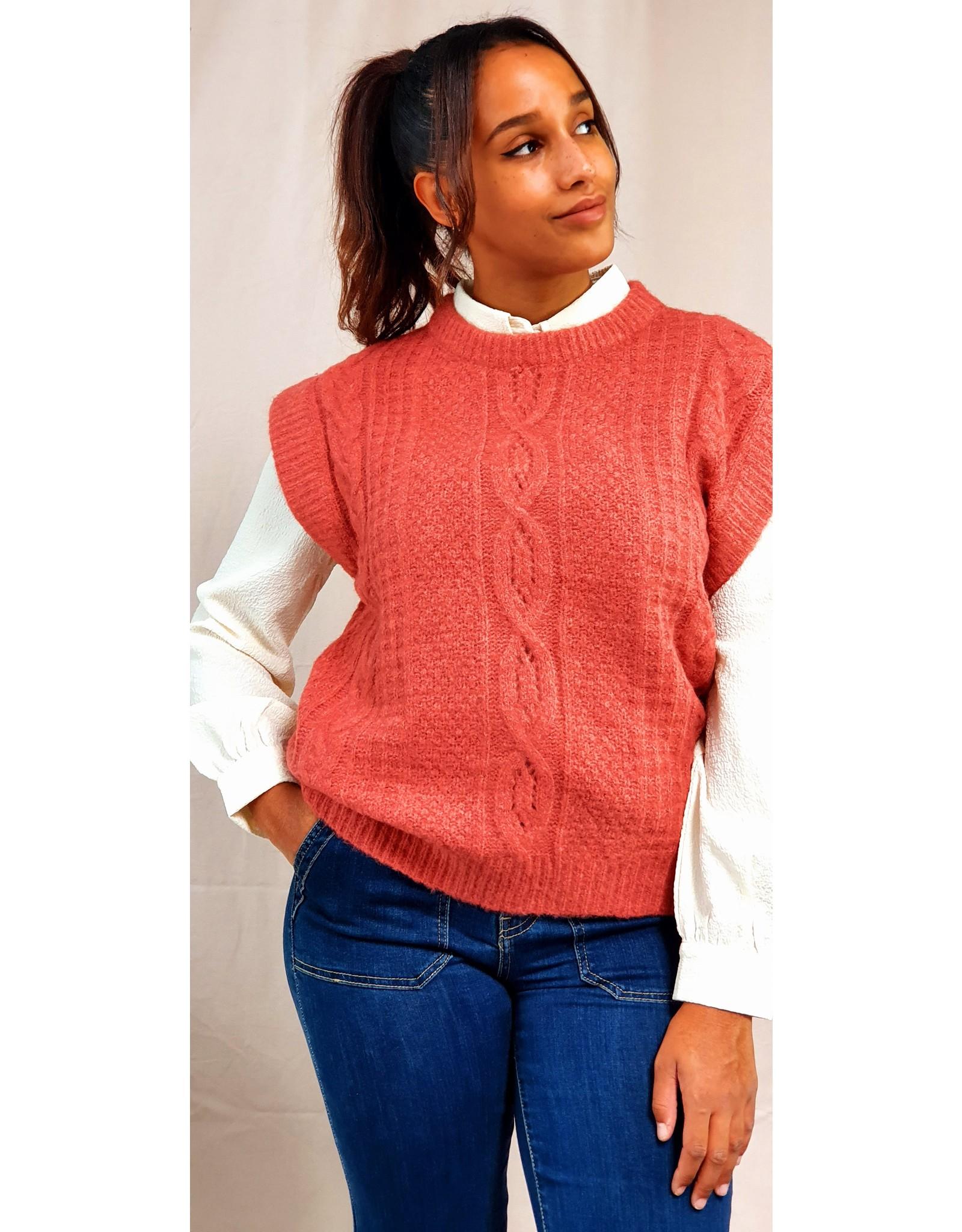 Cherry Paris Officiel Classic cream blouse