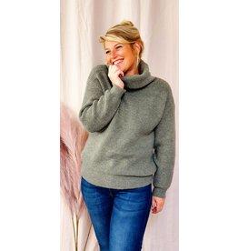 Kaki winter love knitwear