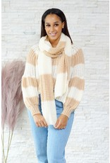 Beige and white knitwear